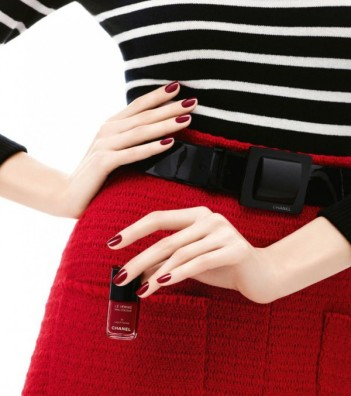 le-vernis-a-ongles-laque-rouge-de-chanel