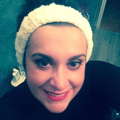 Mezzanotte. Quasi 40 anni e non sertirli? #selfie #makeup #avonlook #likeafalse #face #followme #bbloggers
