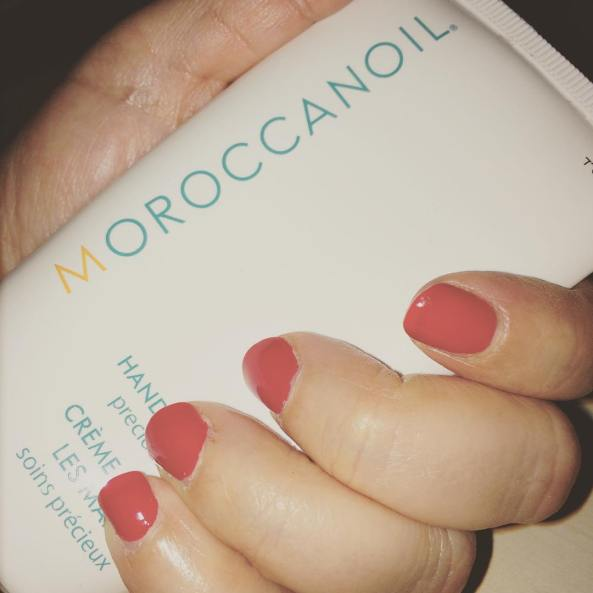 The perfect best friend for my hands. @moroccanoil not only for your #hair #instabeauty #skincare #handcream #bbloggers