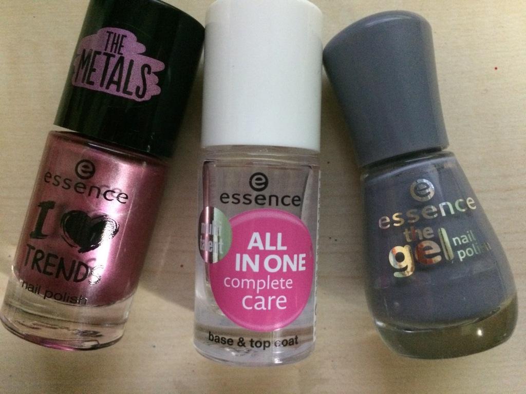Prodotti unghie essence cosmetics
